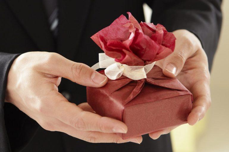 Idee regalo per la festa della donna per non arrivare in crisi all'8 Marzo