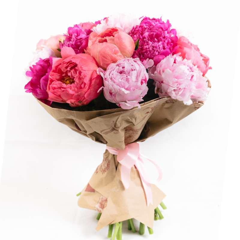 peonie e rose: consegna Bouquets a domicilio