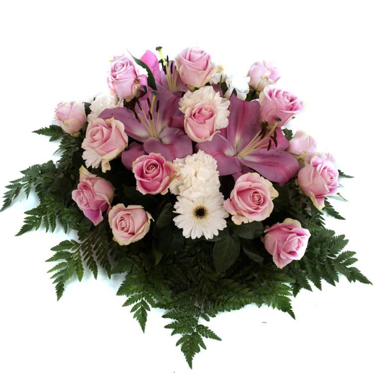Mazzo Di Fiori Per Funerale.Corone Fasci E Composizioni Per Funerale In Trieste Invio E