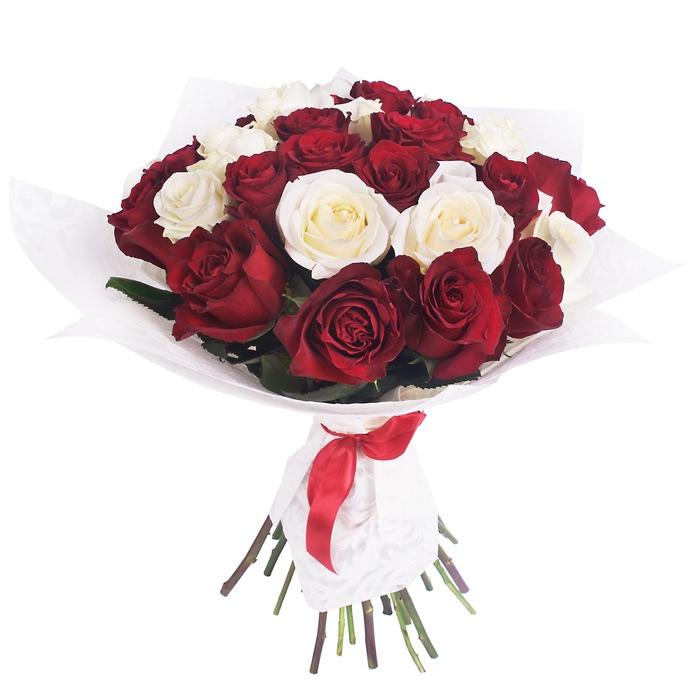 Mazzo di rose rosse e bianche