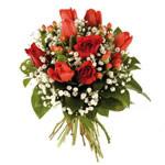 Mazzo di tulipani e rose rosse